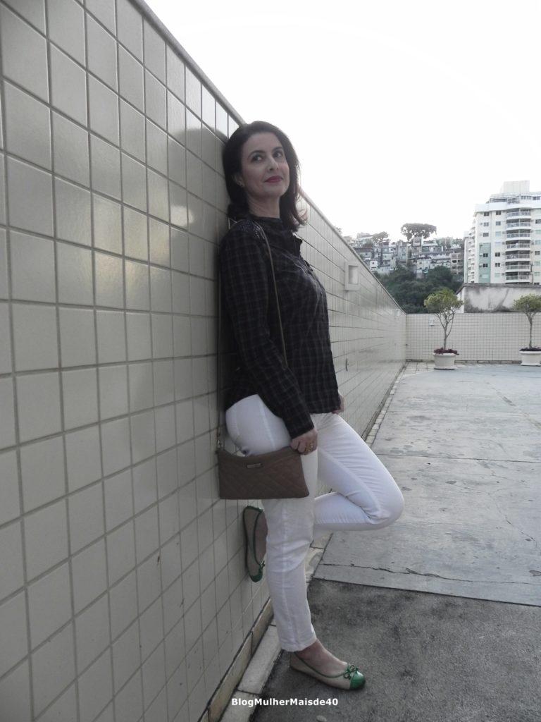 calça branca camisa quadriculada 1