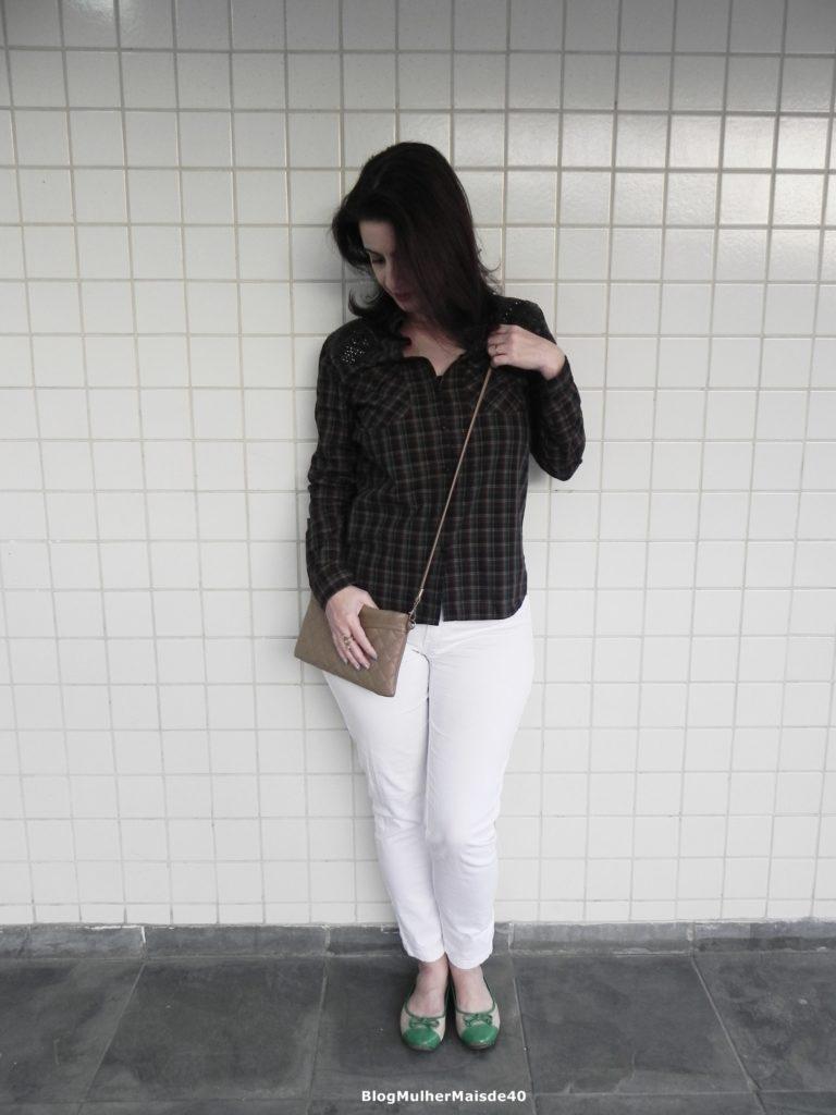 calça branca camisa quadriculada 6