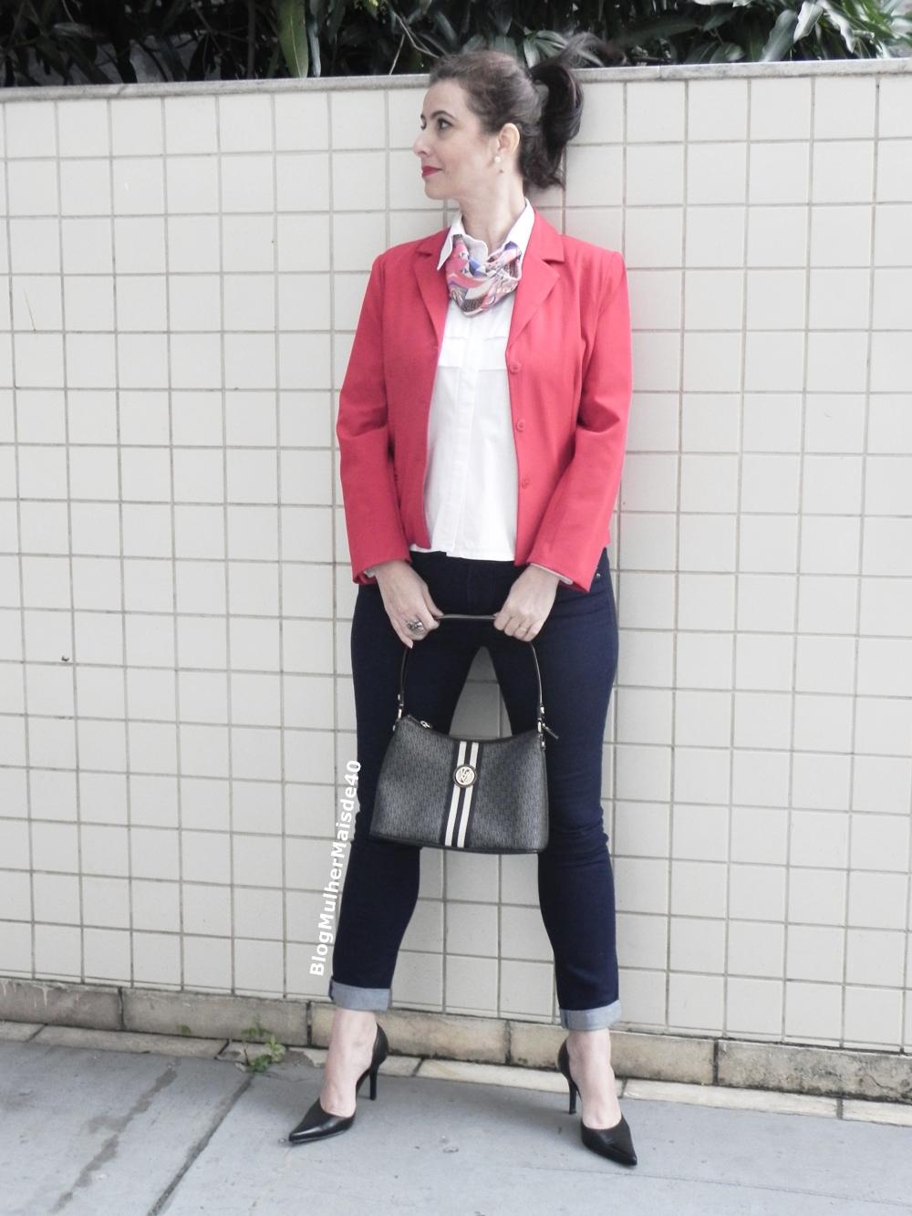 calça jeans blazer vermelho 4