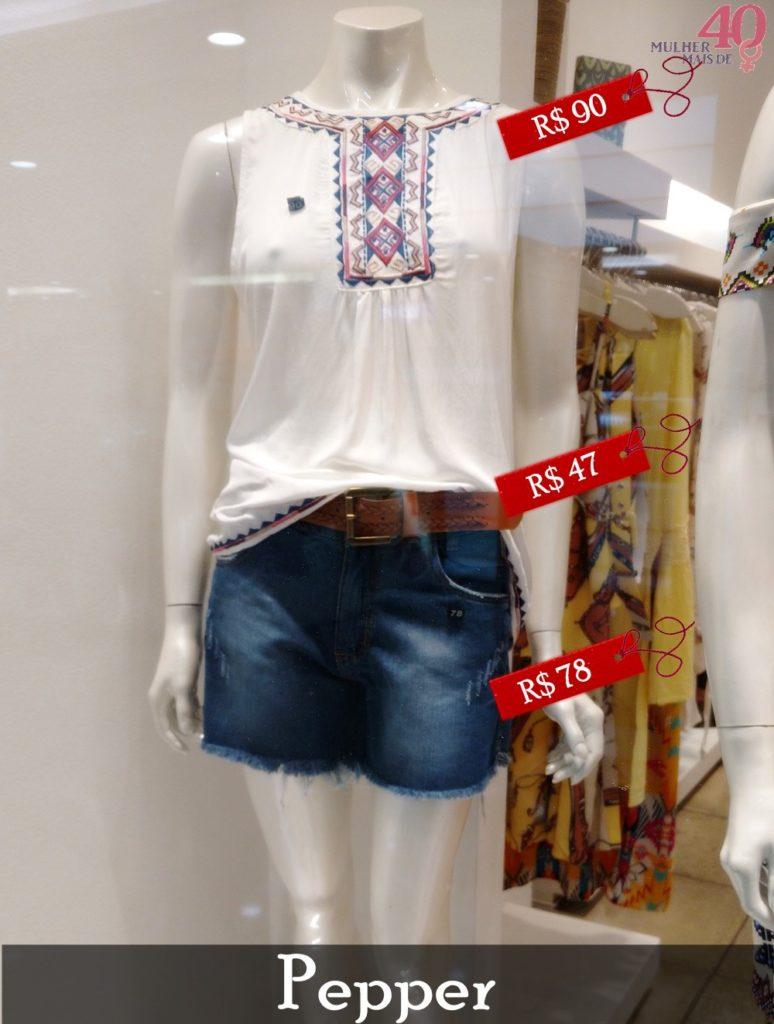 Vitrine Pepper com blusa branca bordada e short jeans
