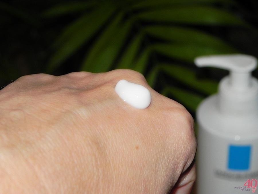 Hidratante Corporal Fluido Lipikar La Roche-Posay consistência
