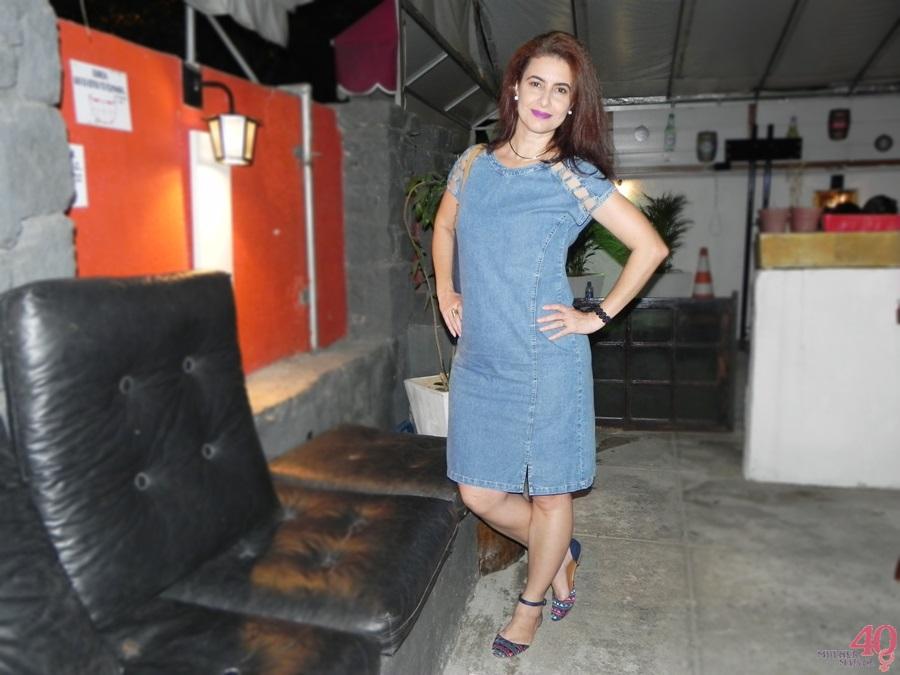 Vestido jeans Celeste Modas bolsa vira volta e sapatilha mary zah recepção