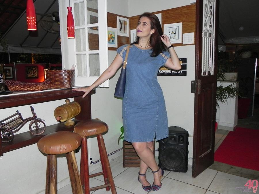 Vestido jeans Celeste Modas bolsa vira volta e sapatilha mary zah
