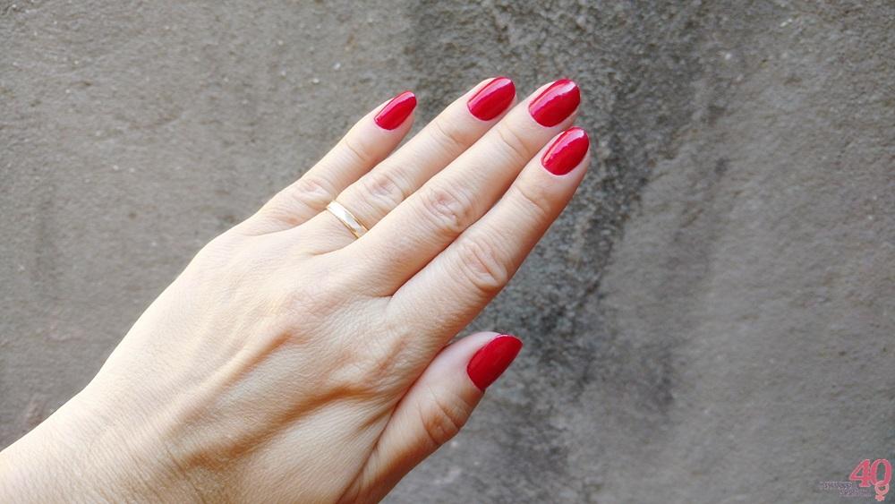 Red esmalte da Revlon como fica nas mãos